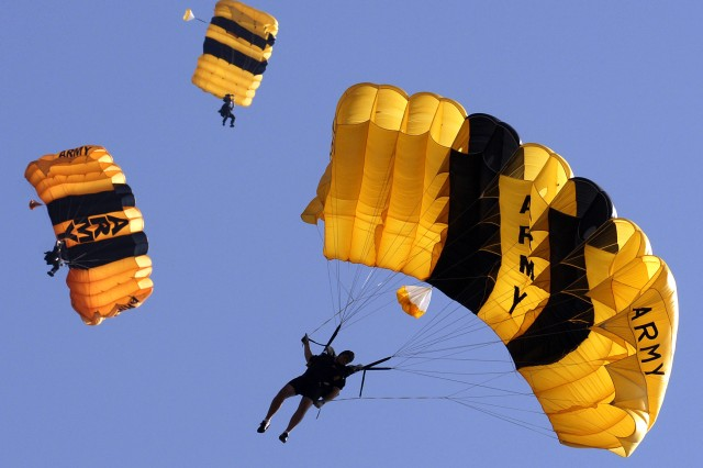 Army's Golden Knights Parachute Team