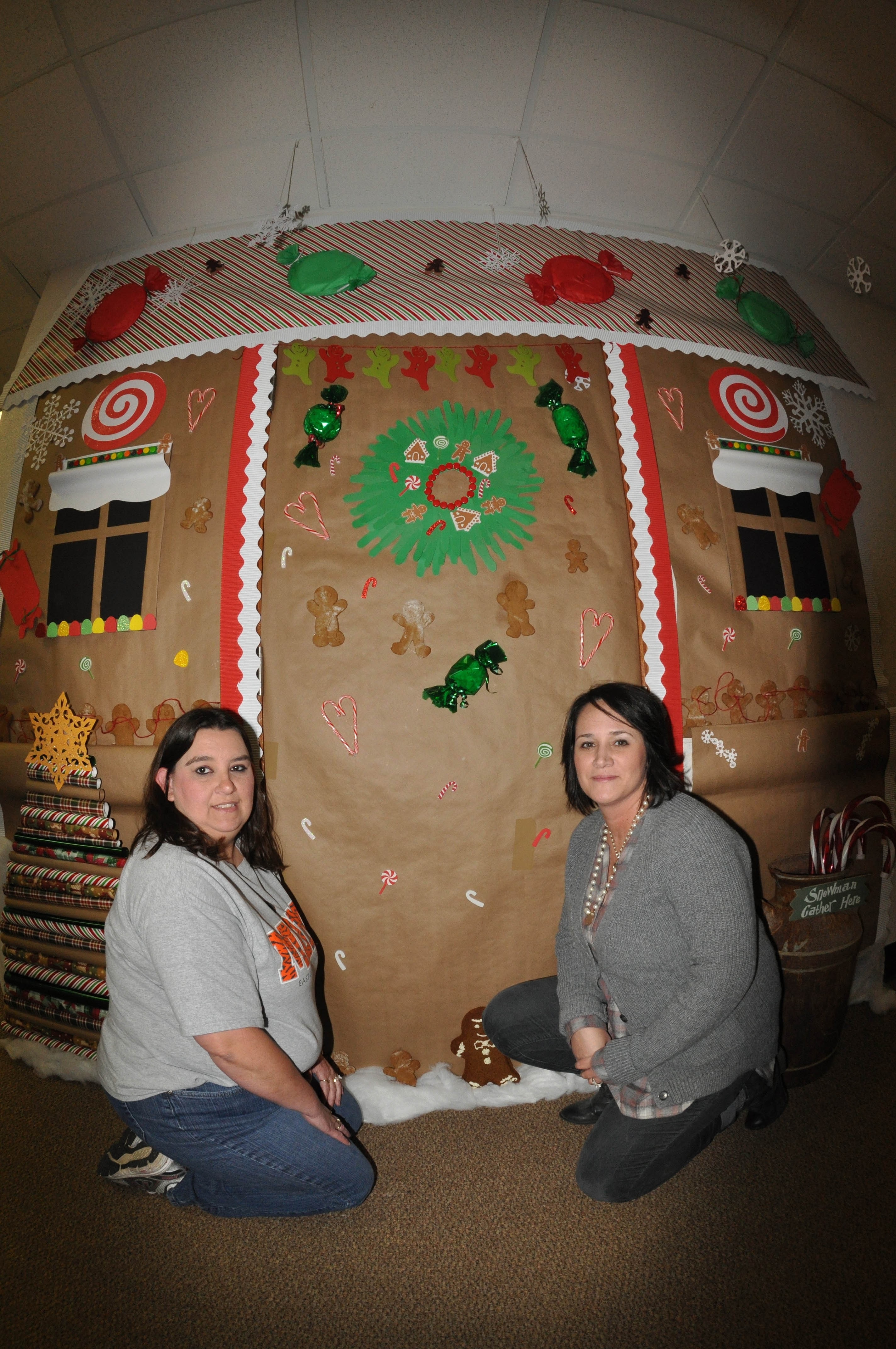 Employees Christmas Contest Boosts Creativity Morale