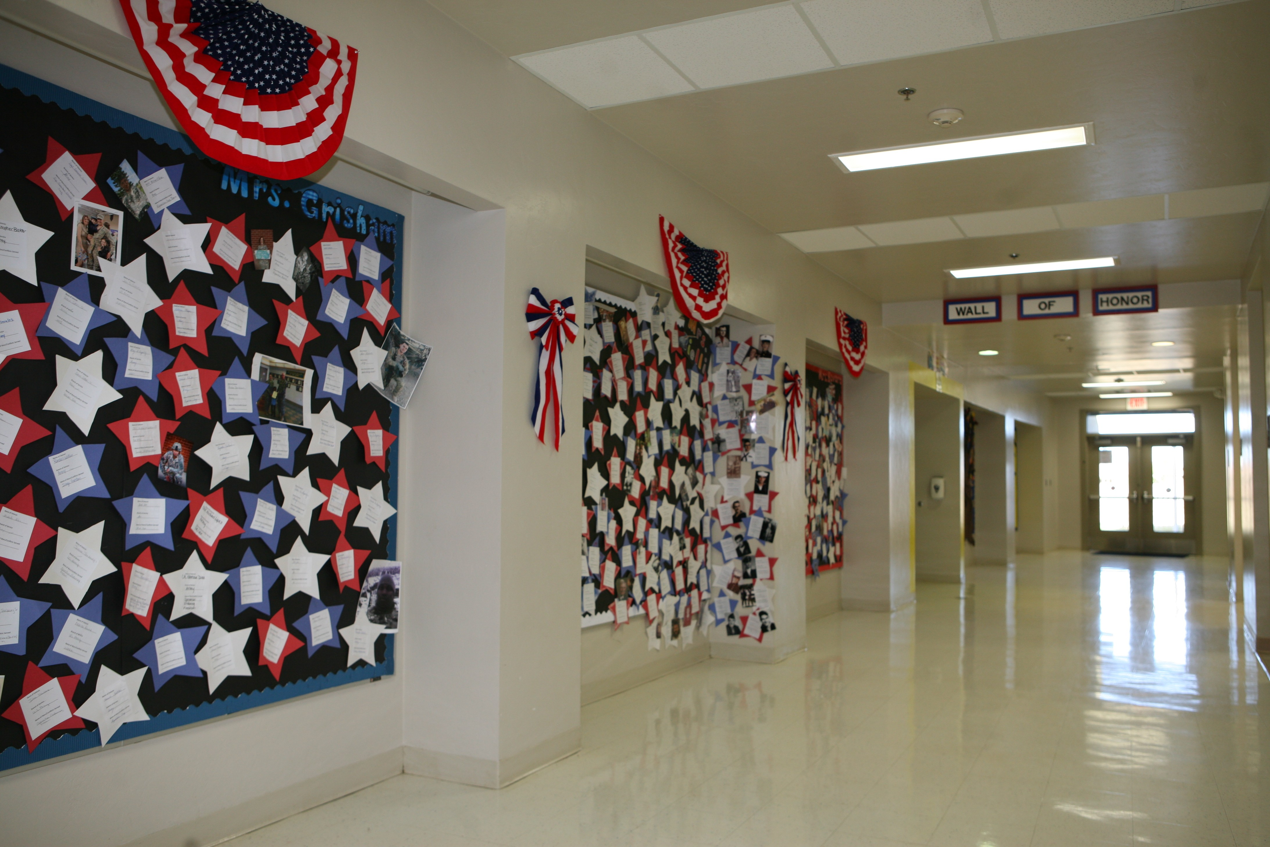 Second Grade Hosts Veterans Day Celebration At Fh School