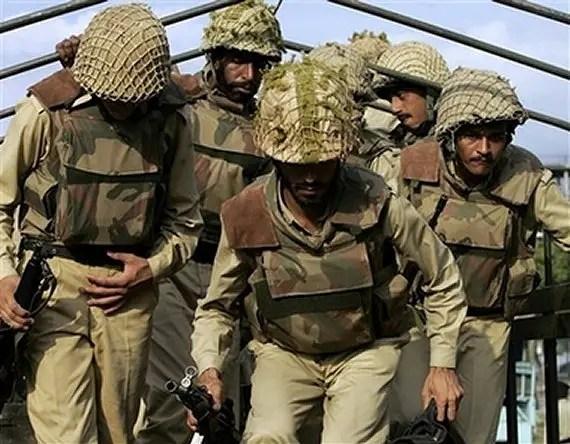 https://i2.wp.com/www.armyrecognition.com/Asie/Pakistan/Uniformes_insignes/Pakistani_soldiers_army_news_06072007_001.jpg