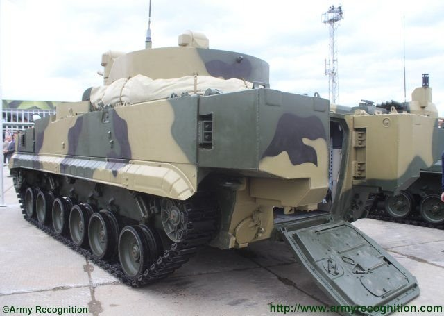 Russian Military Photos and Videos #4 - Page 2 New_BMP_3M_100_Dragun_fitted_with_RCWS_turret_unveiled_at_Russia_Arms_Expo_2015_640_002