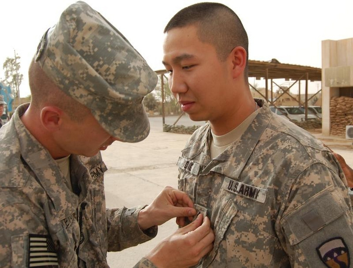 Medal All Eligible Army Specialists And Sergeants To Go