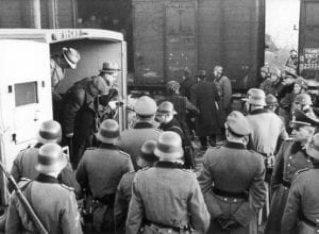 Ναζί-Εβραίοι-Γαλλία, 23 Ιουνίου