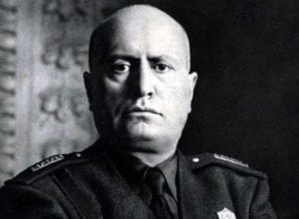 Μπενίτο Μουσολίνι, 23 Ιουλίου