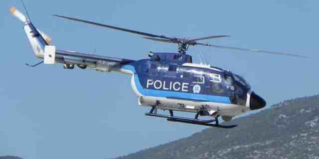 Αποτέλεσμα εικόνας για 3 ελικόπτερα πετάνε χημικά