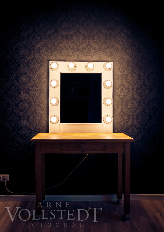 Spiegel am Tisch - ferig