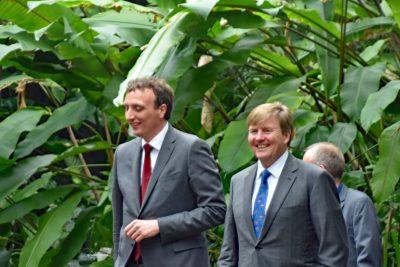 ZKH Koning Willem Alexander in gezelschap van Alex van Hoof