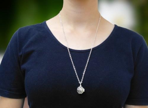 Aroma šperk postriebrený vlny na krku