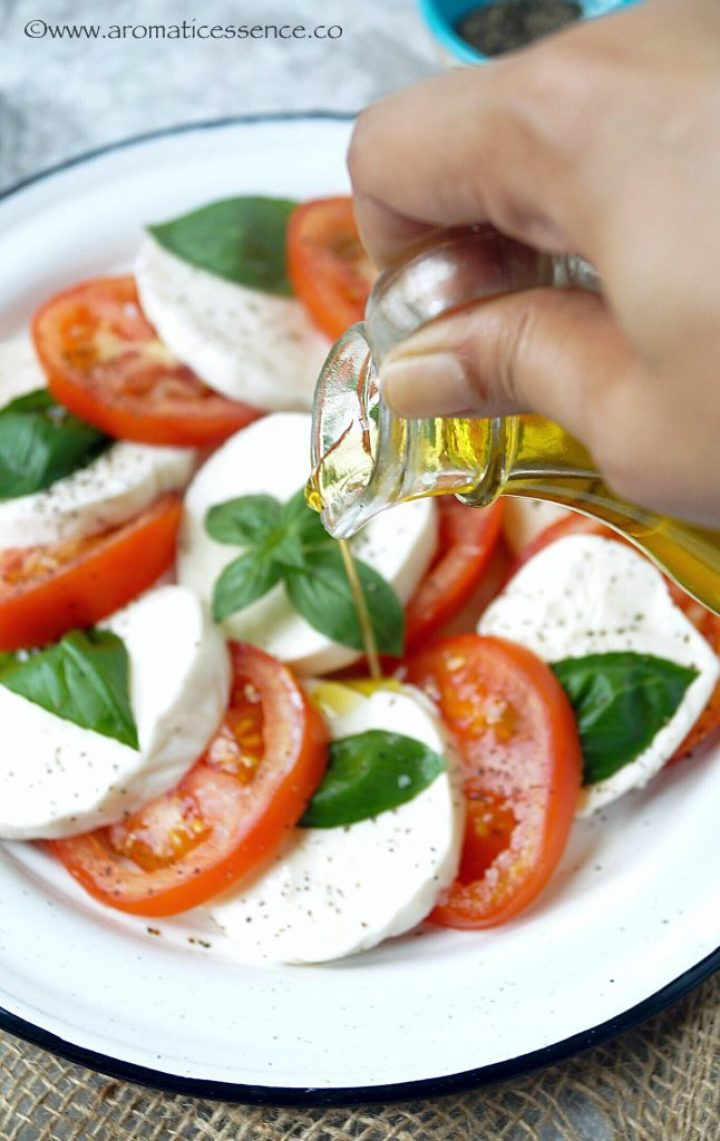 Caprese Salad   Italian Salad With Mozzarella, Tomatoes & Basil