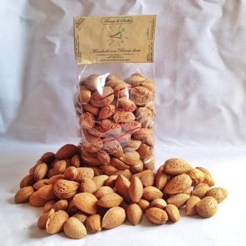 mandorle-siciliane-in-guscio