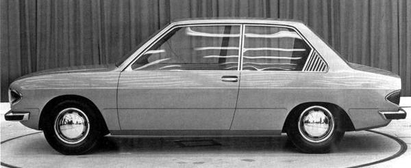 Pininfarina put forward this proposal, which was turned down because it was considered too glassy - and therefore would cost too much to build. Harry Webster supposedly said of this, 'it's like sitting in a bloody goldfish bowl'.