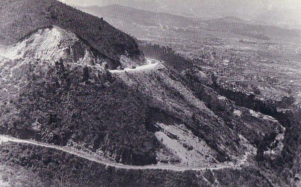 The convoy seen again, leaving Bogotá in the background, 8,000 feet above sea-level.