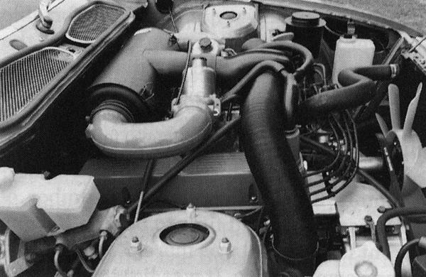 The 3500 unit, installed in an early Rover SD1. The Rover V8 engine