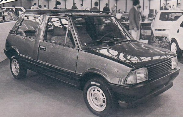 "A long wheelbase version of the Innocenti Mini (utilising the Estate floorpan), coachbuilt by ""Embo"". This photo was published in the 1982-83 Spanish car catalogue ""Velocidad"". (Picture kindly supplied by Graham Arnold.)A long wheelbase version of the Innocenti Mini (utilising the Estate floorpan), coachbuilt by ""Embo"". This photo was published in the 1982-83 Spanish car catalogue ""Velocidad"". (Picture kindly supplied by Graham Arnold.)"