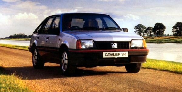 1985 facelift saw the introduction of a boldly styled grille and various other changes.