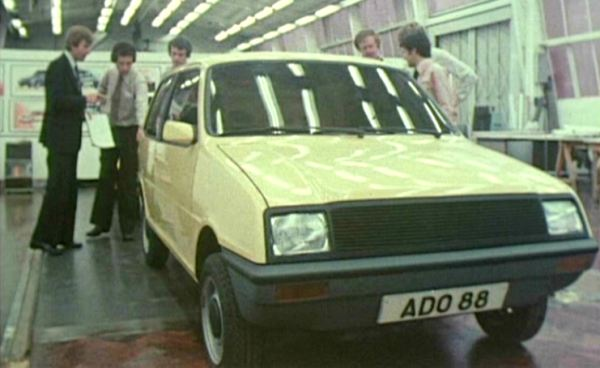 Full-sized ADO88 prototype being discussed in the Elephant House at Longbridge... (Picture: BMIHT)