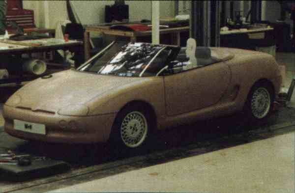 MGA Development's styling mock-up for the PR3, dating back to 1991 shows that the MGF package was already pretty much defined: the mid-engined layout, body shape survived through to the final model.