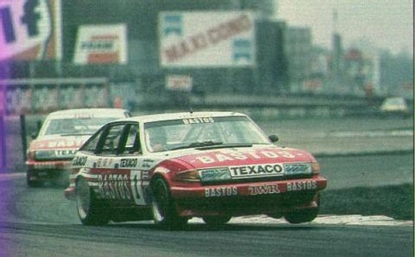 Factory backed SD1s doing their thing at Monza in the ETCC...