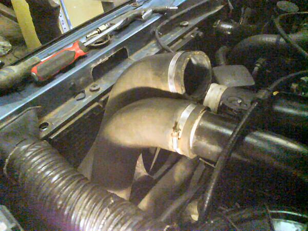Removing this hose means at least it doesn't misfire... but it would have about 70bhp like this!