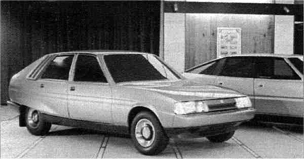 The above picture c.1972 shows the two SD products together for evaluation and comparative purposes. It has to be said that, in this photograph, the styling does not look quite so ill-balanced as the two others, but compared with the SD1, the SD2 is still not quite so well-proportioned