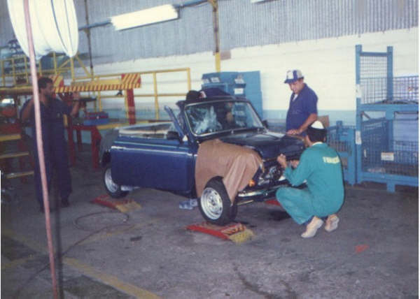 Assembly of a Mini convertible.