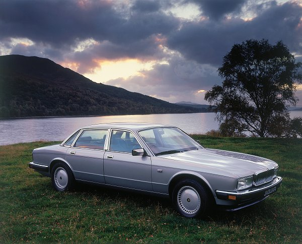 The cars : Jaguar XJ40 development story