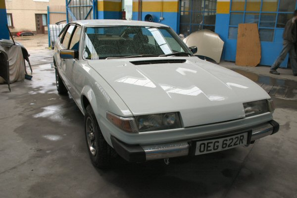 Rover SD1 restoration - check out the depth of that paint...