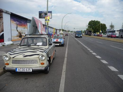Dave's Mini of Doom at the Berlin Wall