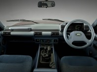 Land_rover_discovery_3-door_9