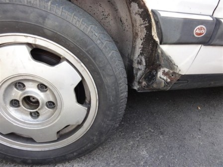 23. What a blow out does to tyour Audi 200!