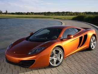 McLaren-MP4-12c: taking the supercar fight to Ferrari