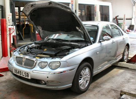 AROnline's Rover 75 spent the weekend in the workshop. It was a challenge.