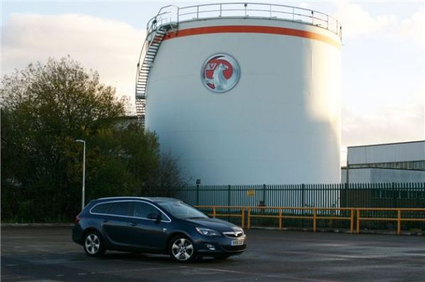 Astra Sports Tourer at Ellesmere Port