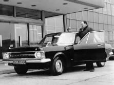 ford_zephyr_6_saloon_patrol_car_1
