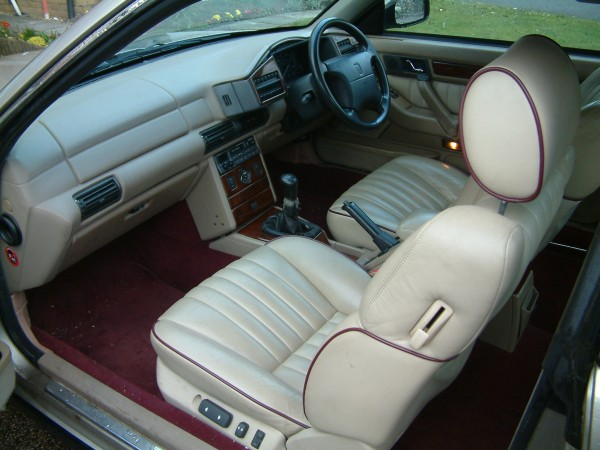 Mobile drawing room or Continental cruiser - endless applications for the Coupe's talents.