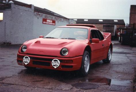 Ford RS200 (1)