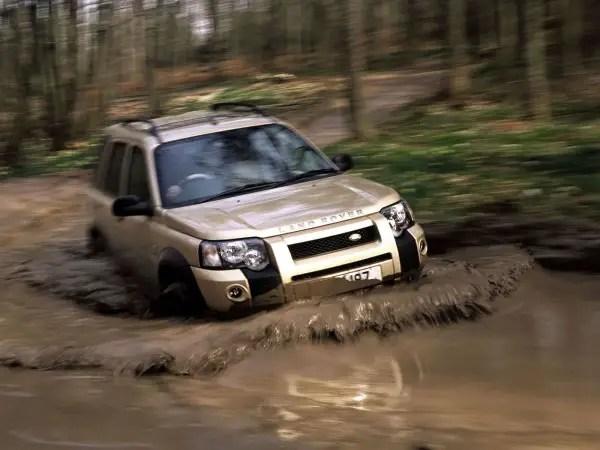 Land Rover Freelander II 07/> Black Carpet Car Mats Yellow Trim /& Heel Pad