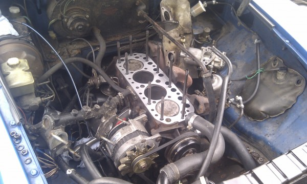 Pistons, head and block cleaned up with the new gasket ready to go!