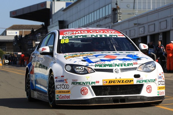 MG KX Momentum Racing's Sam Tordoff starts Qualifying at Donington Park