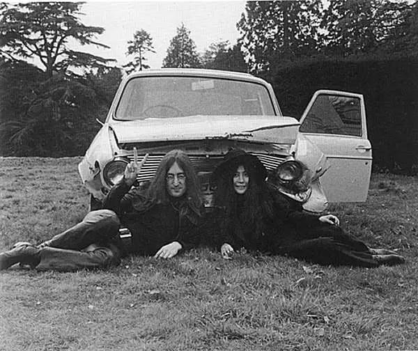 Lennon's crashed Maxi