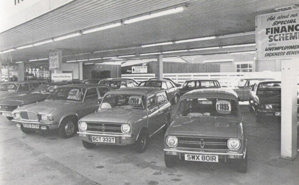 Tawney Street also had a used sales forecourt. The Princess, Vanden Plas Allegro, and Mini all have Lincolnshire plates on. SWX 801R is a interloper from Leeds.