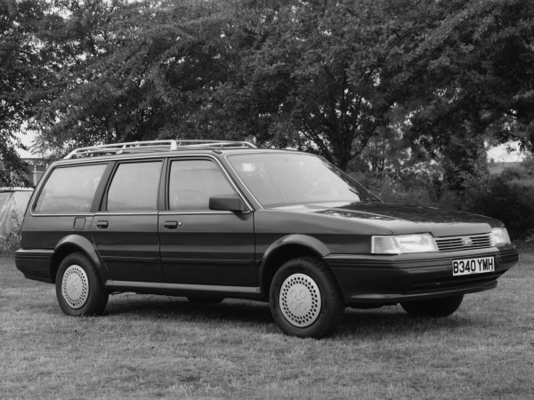 The estate was better proportioned than the saloon by a long chalk. Early exterior trim fit was dreadful - look closely at the fit of the indicator to bumper and rear door top sill trim to the back window!