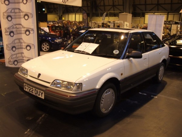 Mint 216 GSi on the 200/400 Club stand caught the editor's eye. It's not too dissimilar to his new acquisition...