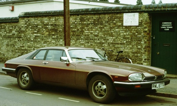 An XJ-S just how I like them - shabby and in regular use...