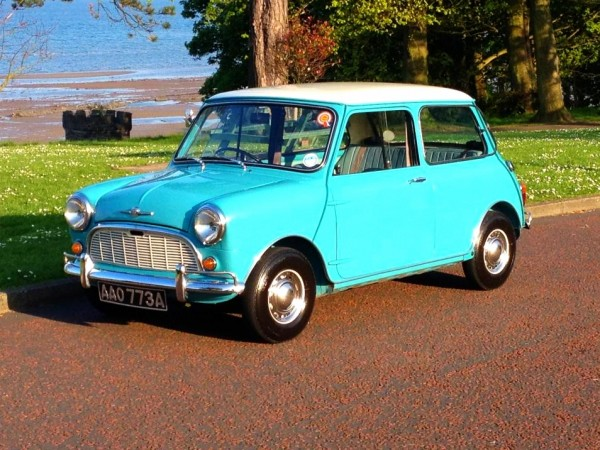 Gavin's Mini - what a colour scheme!