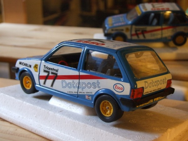 I bought this one recently, as it was one of my favourite models as a kid. Bought for Christmas in 1984, my Bburago Datapost Metro was one of my most played-with toys. I still have it, but it doesn't look anywhere near as good as this!