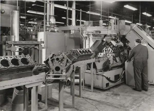 Early Darlington days: Cummins V8/504 blocks on the assembly line circa 1971 - Image: Chuck Rutland