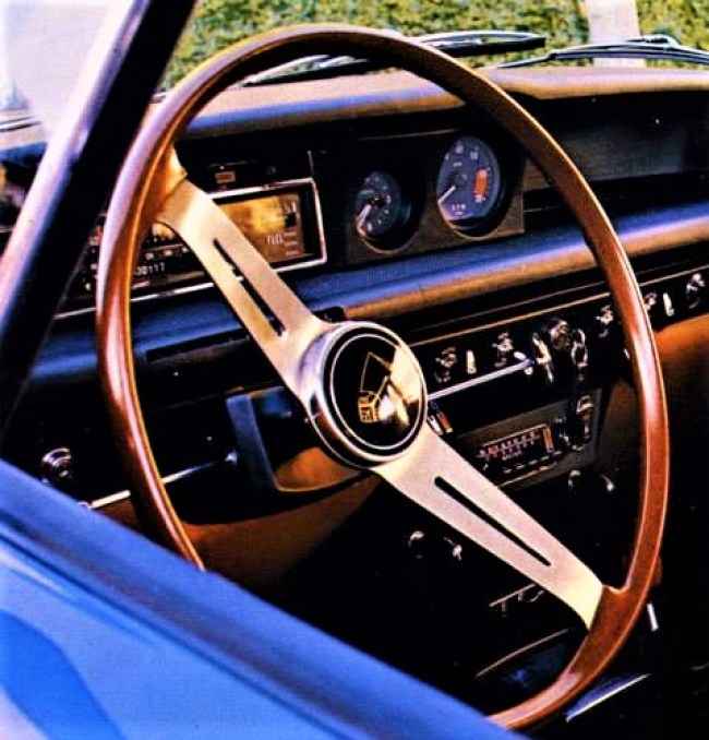 Afterthought: Circular rev counter way off to the right of the strip speedo on a US market Rover 2000TC.