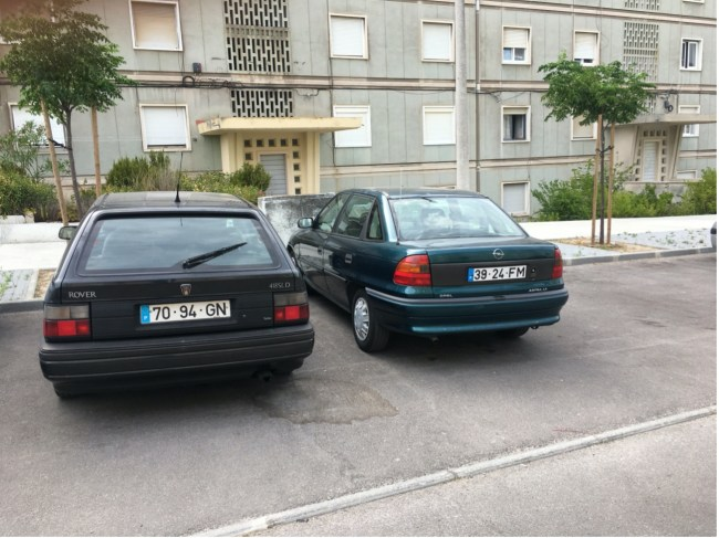 Rover 400 Tourer and Opel Astra
