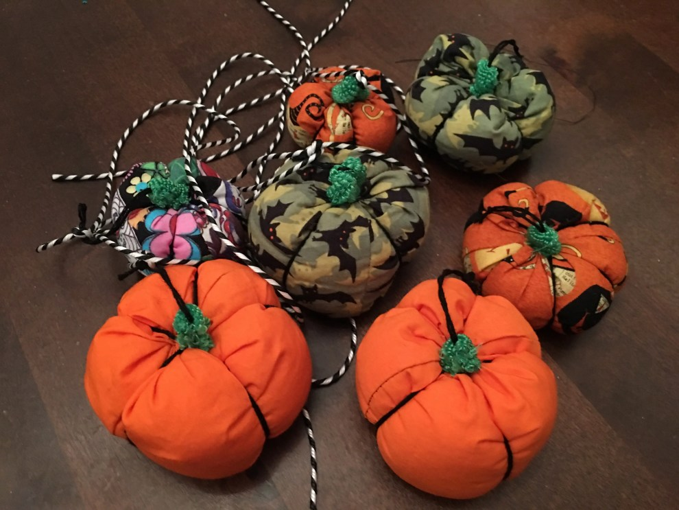 halloween pumpkins garland collection